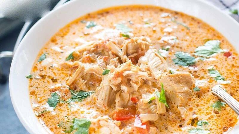 طرز تهیه سوپ مرغ رستورانی و مجلسی+فوت و فن های سرآشپز ها