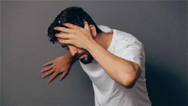 علت سرگیجه و سنگینی سر چیست و چطور درمان می شود