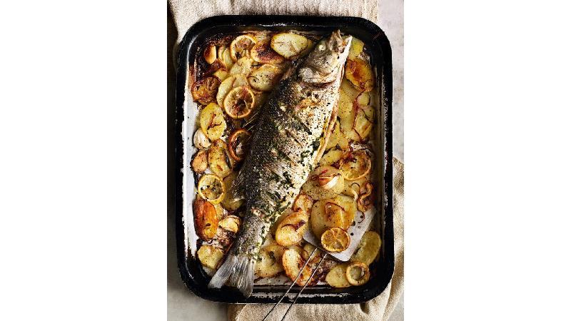 چطور بوی بد ماهی را از بین ببریم+ دستور پخت ماهی به روش سرآشپزها