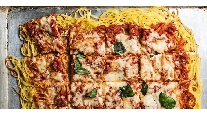 طرز تهیه پیتزا ماکارونی  در تابه با دستور پخت سرآشپزهای حرفه ای