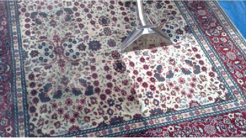 چند روش برای تمیز کردن فرش بدون شست و شو