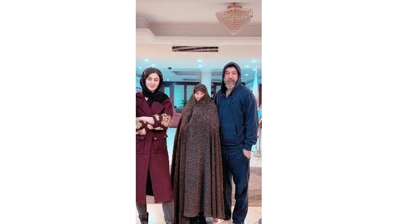 عکس  و فیلم  دیده نشده  مریم مومن از علی انصاریان و مادرش
