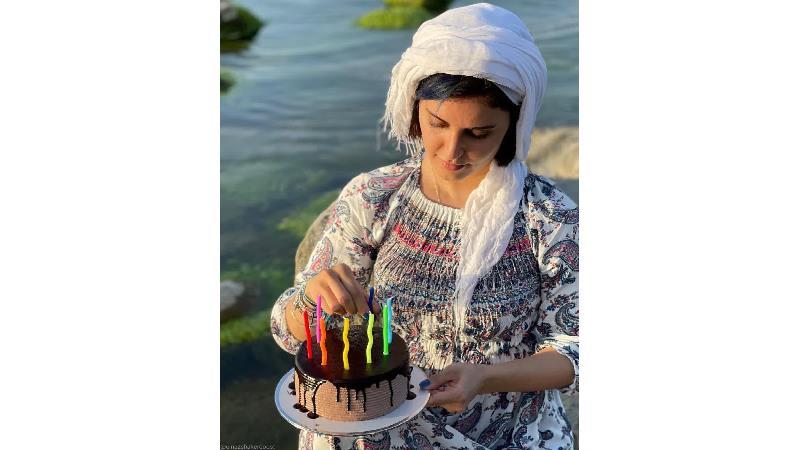 جشن تولد الناز شاکر دوست وسط دریای خزر