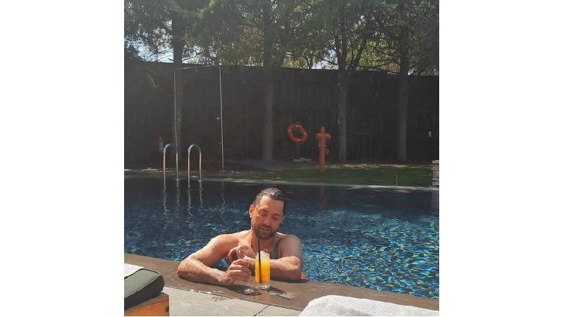 عکس تابستانی بهرام رادان و ساره بیات