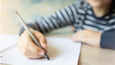 تکلیف خانگی حذف نشد  بچه ها مشق بنویس استخدام کردند