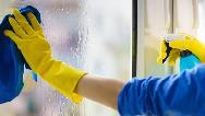 راههای برای تمیز کردن آسان پنجره های خانه