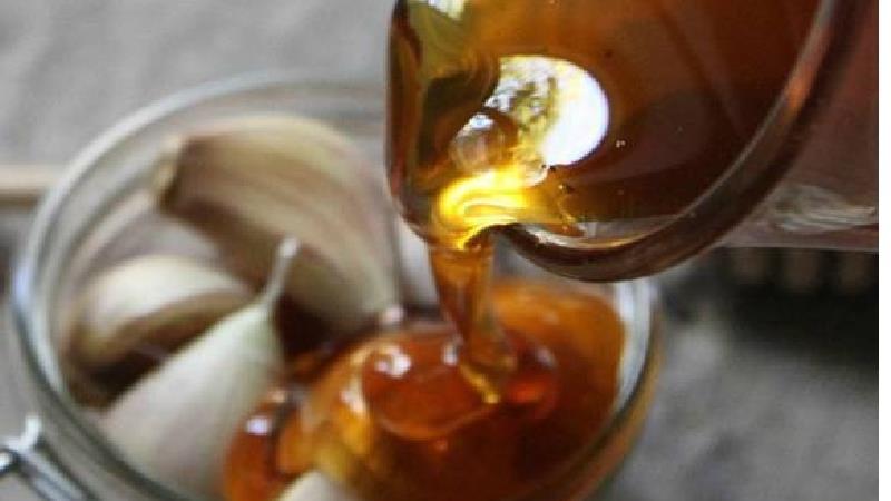 درمان سرماخوردگی با سیر و عسل