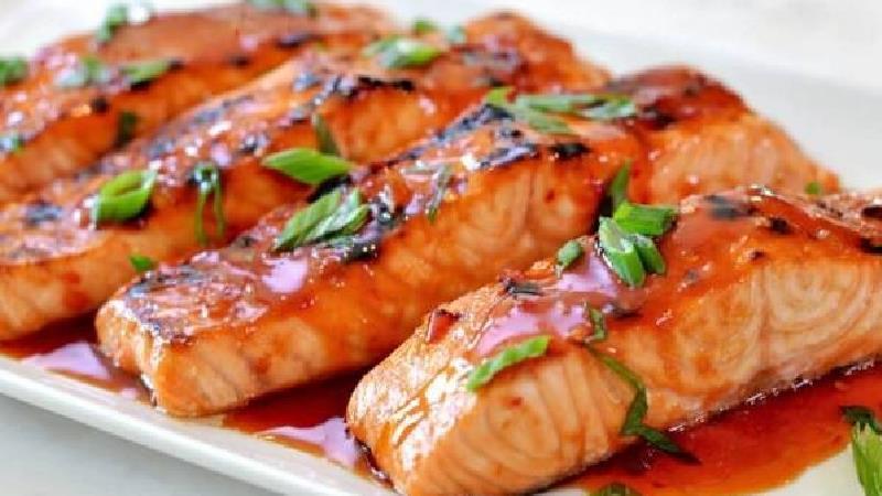 سرخ کردن ماهی با آرد