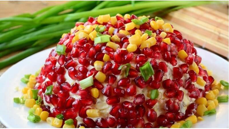 طرز تهیه سالاد مرغ و انار