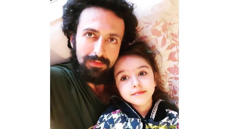 حسام محمودی و دخترش