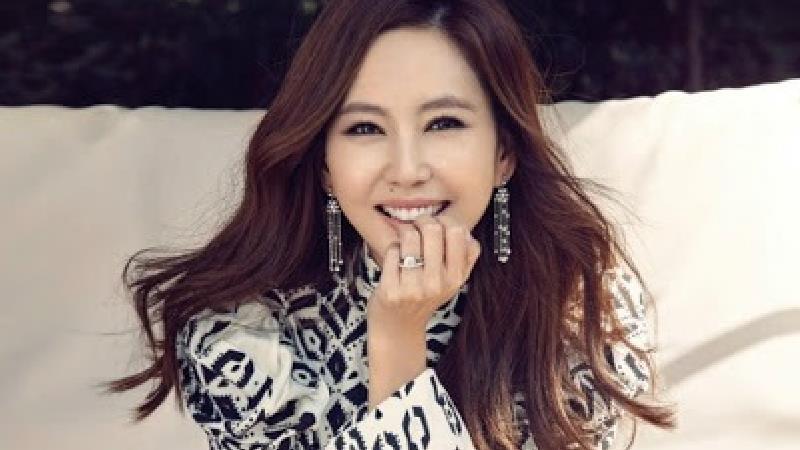 بازیگر نقش یون هی در سریال خانواده جدید